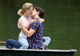 Couples-Kissing-Wallpapers3