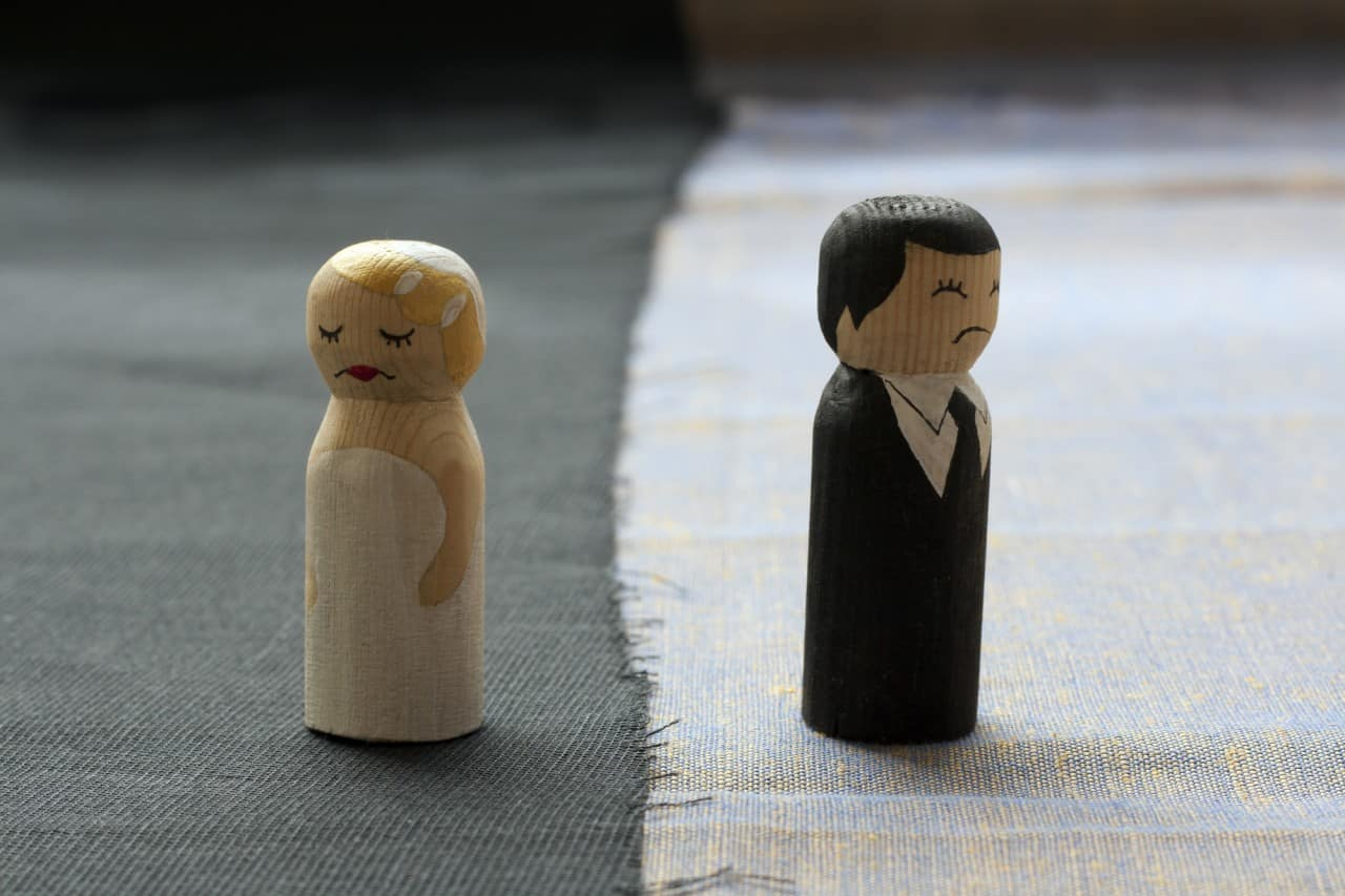 Signs Your Spouse Wants To Get Divorced (Is Your Marriage
