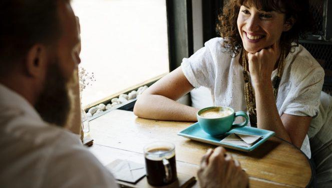 flirty-coffee-date
