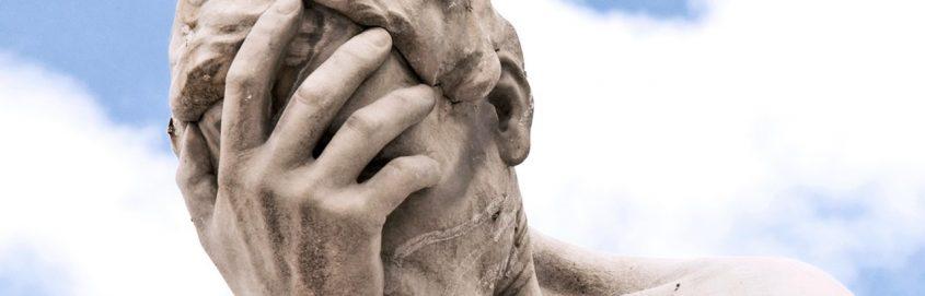 regret statue