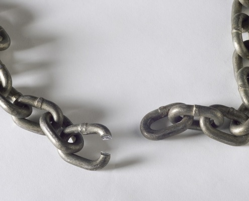 chain-with-broken-link